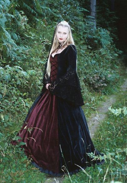 Mein hochzeitskleid im gothic still - Hochzeit: Hochzeitsforum.de